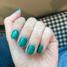 Load image into Gallery viewer, Emeralds - Glitter - Yay to Nails