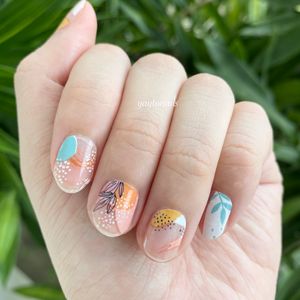 Graffiti (transparent base) - Yay to Nails