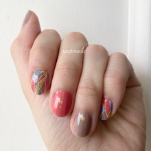 Load image into Gallery viewer, Last autumn 🍂 - Yay to Nails