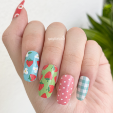 Load image into Gallery viewer, Strawberry kisses 🍓 - Yay to Nails