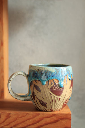 Load image into Gallery viewer, 18 Moth Mug 16 oz