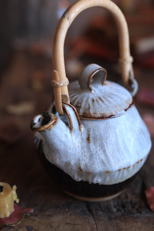 Load image into Gallery viewer, 172 Stoneware Teapot