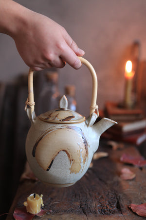 Load image into Gallery viewer, 171 Stoneware Teapot