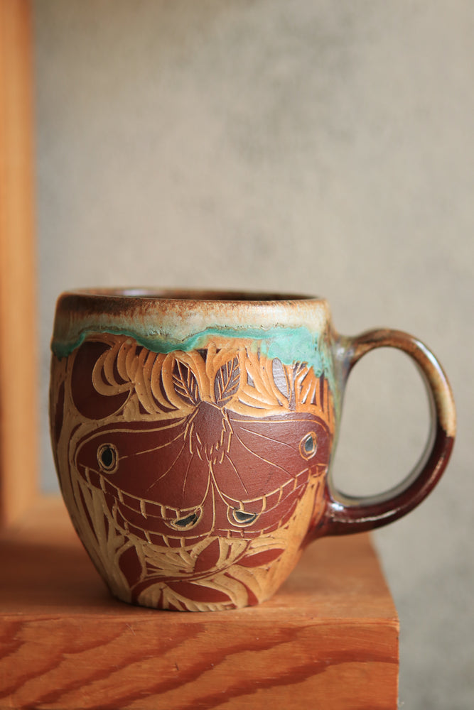 Load image into Gallery viewer, 76 Moth Mug 18 oz
