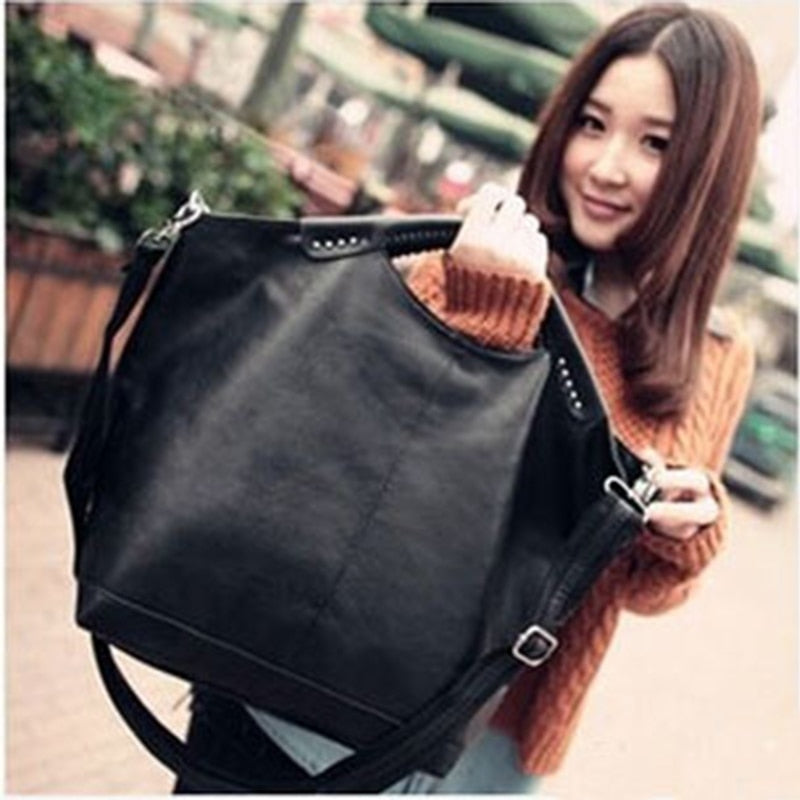 2019 Fashion High Quality women bag New Hot Black Women handbag pu Rivet package large tote Famous designer Shoulder bag BAG5185