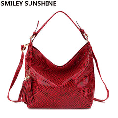 SMILEY SUNSHINE snake leather women shoulder bag 2018 female serpentine pattern hobos bag tassel women handbag big red hand bags