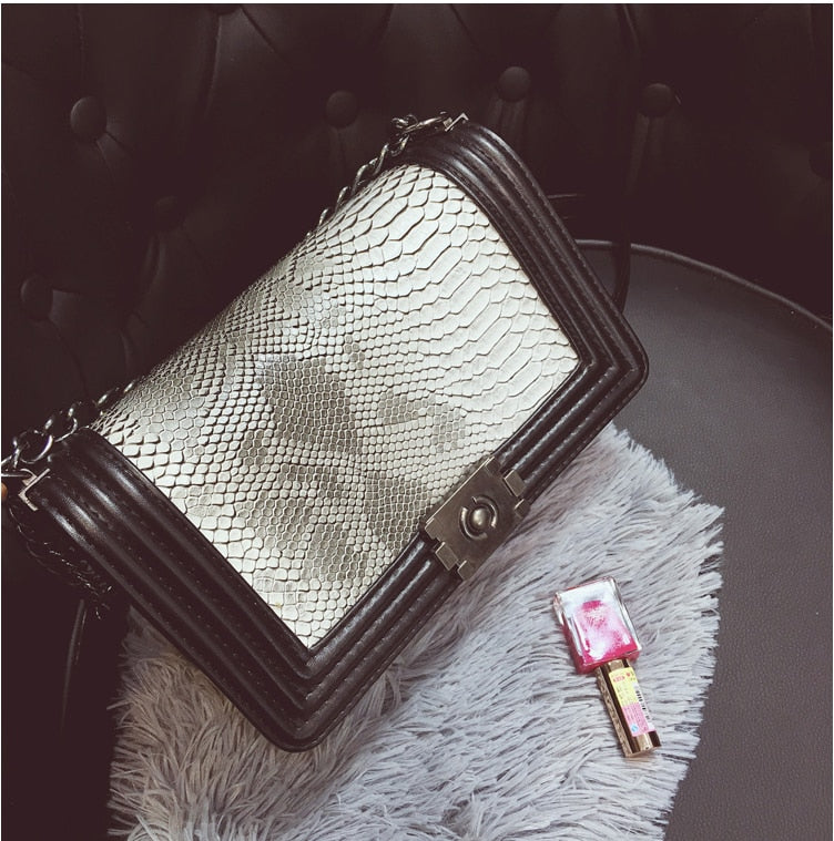 Summer  Chain Bag Handbags Women Fashion Brand Luxury Handbag Women Bag Snake  Designer 2019 Crossbody Bag For Women Bolsas