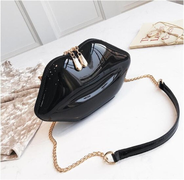 2019 Women Red Lips Clutch Bag High Quality Ladies PU Leather Chain Shoulder Bag Evening Bag Lips Shaped Purse with 6 Colors