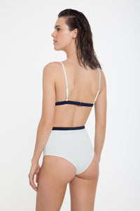 Nero-Top-and-Bottoml-Pearl-White-Navy-Blue-Back