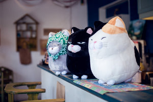 Fat cat is leaving home plush