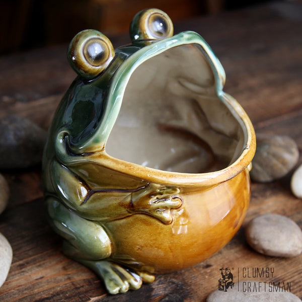 Big mouth frog ceramic container