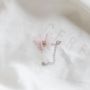 Butterfly choker with invisible chain