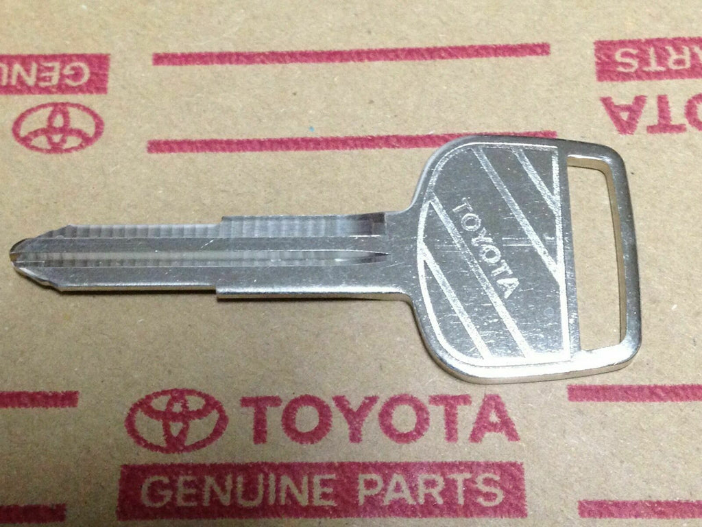 SILVER TOP #2  FJ80  OEM TOYOTA Key Bank        Fits    1990 / 01 - 1998 / 01