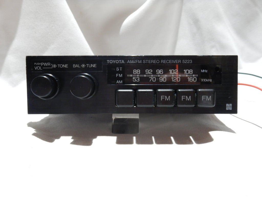 TOYOTA Radio, Model # 5223  LED Bulbs Illumination Update, Bench Tested In GOOD Working Order, Cleaned & Serviced Inside & Out