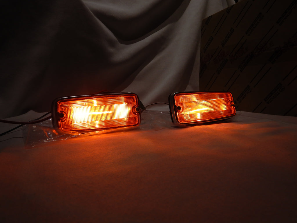 LED Set of AMBER KOITO TOYOTA OEM Parts SIDE Marker LED Bulbs Equiped   FJ40 LH  & RH