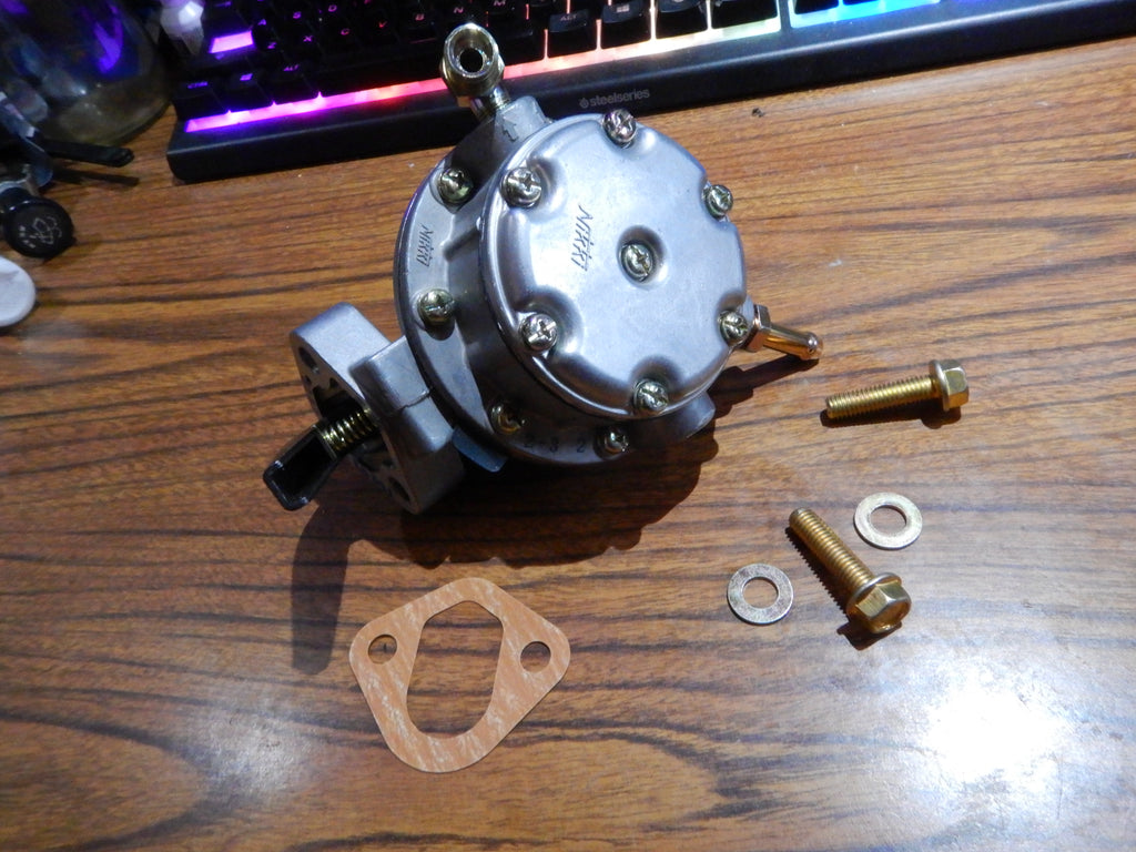 NOS OEM  Parts  Mechanical Fuel Pump  23100-61011 Fits  Early-9/77  FJ40 Land Cruiser