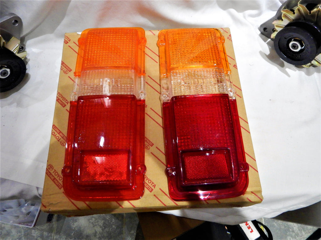 NOS Toyota LandCruiser FJ55 Tail Light Lamp Lenses NO cracks NO chips 9/77-1980