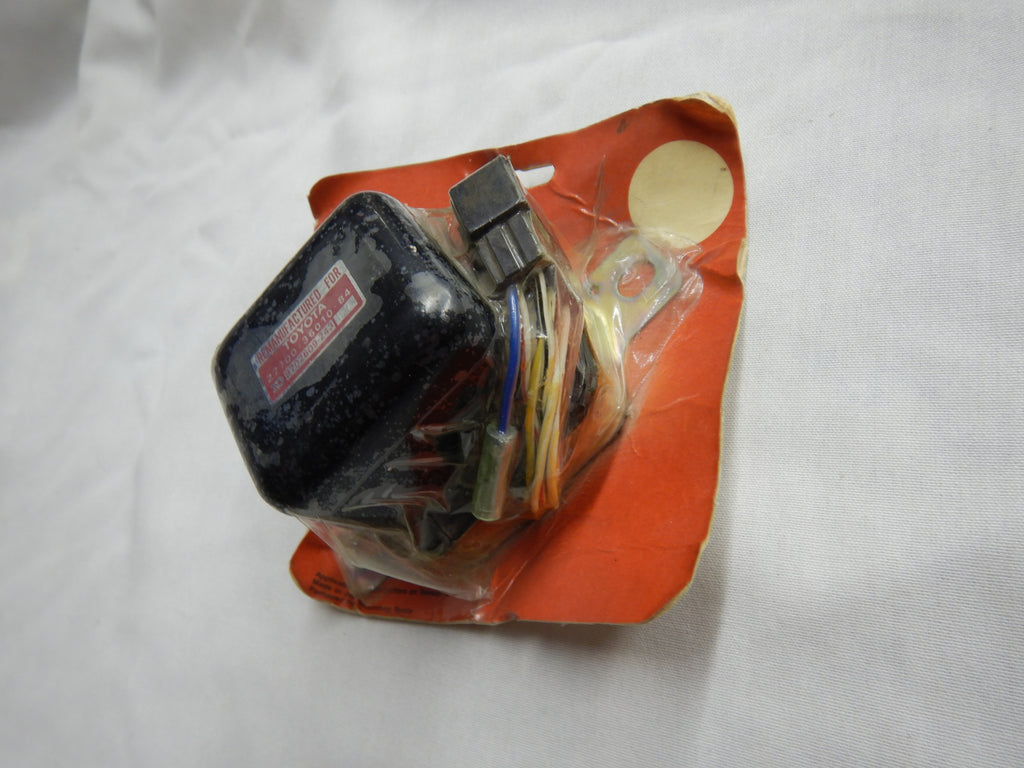 NOS OEM TOYOTA NipponDenso Voltage Regulator 27700-36010 New in Original Parts Box FJ40   FJ55
