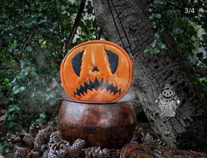 Hand Crafted : Scaredy Cat Pumpkin