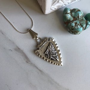 Arrowhead Howling Wolf Necklace