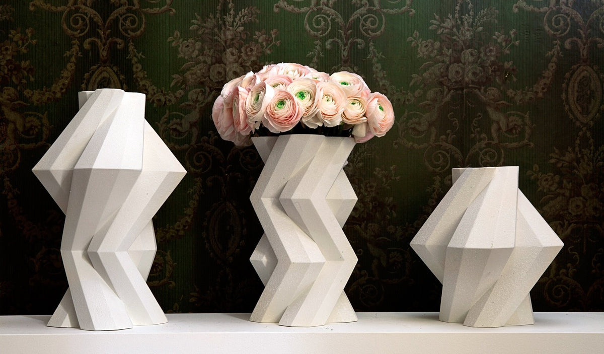 FORTRESS COLUMN VASE - WHITE