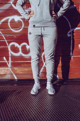 LOGO JOGGER DAMEN GREY - MassiveSoldier©
