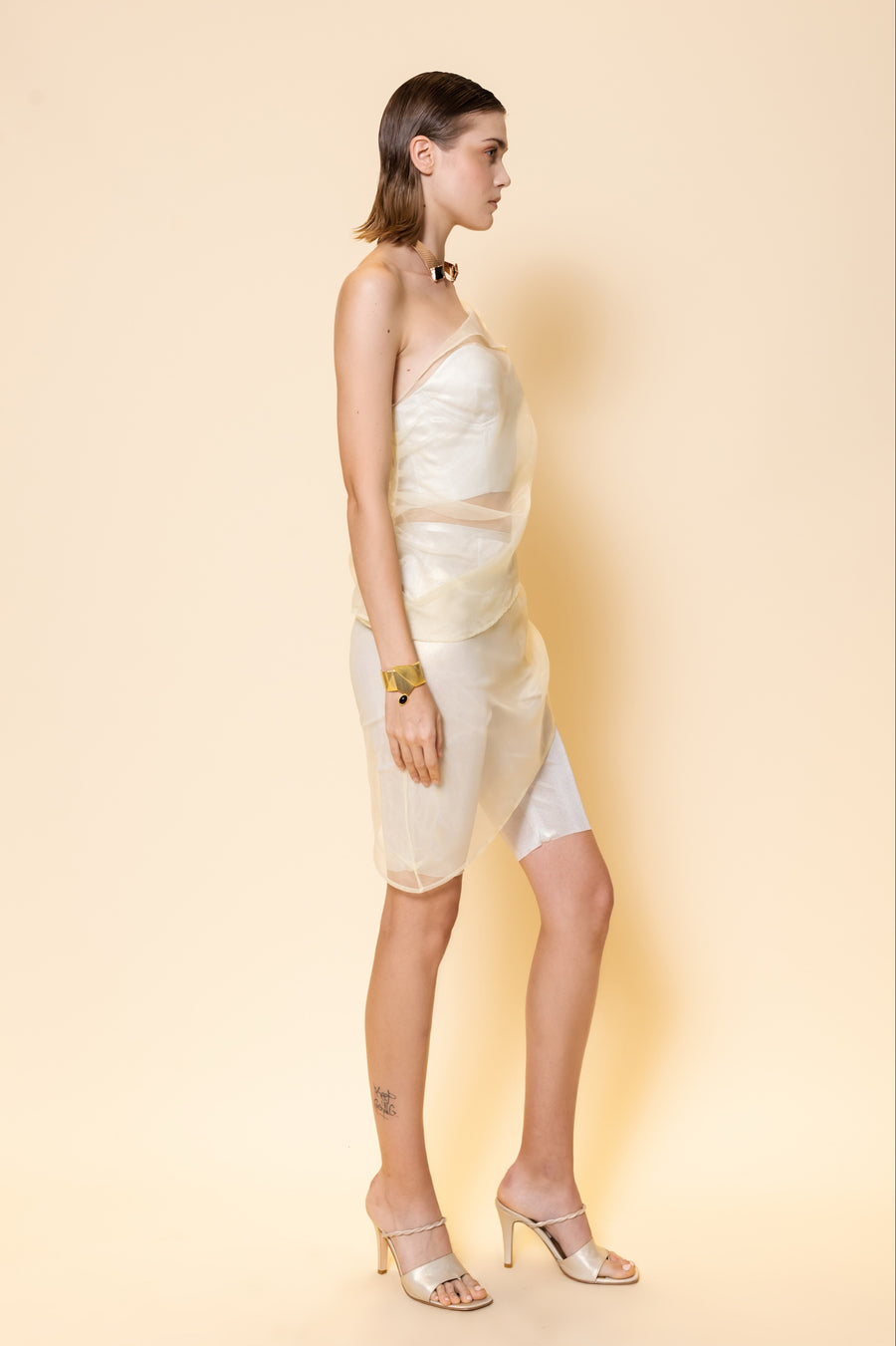 One Shoulder Organza Layer with Metallic Girdle / Organza Layer Knee Length Shorts