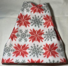 Load image into Gallery viewer, Red/White Snowflake Fleece Hat