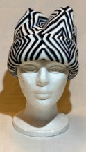 Load image into Gallery viewer, Black/White Diamond Fleece Hat
