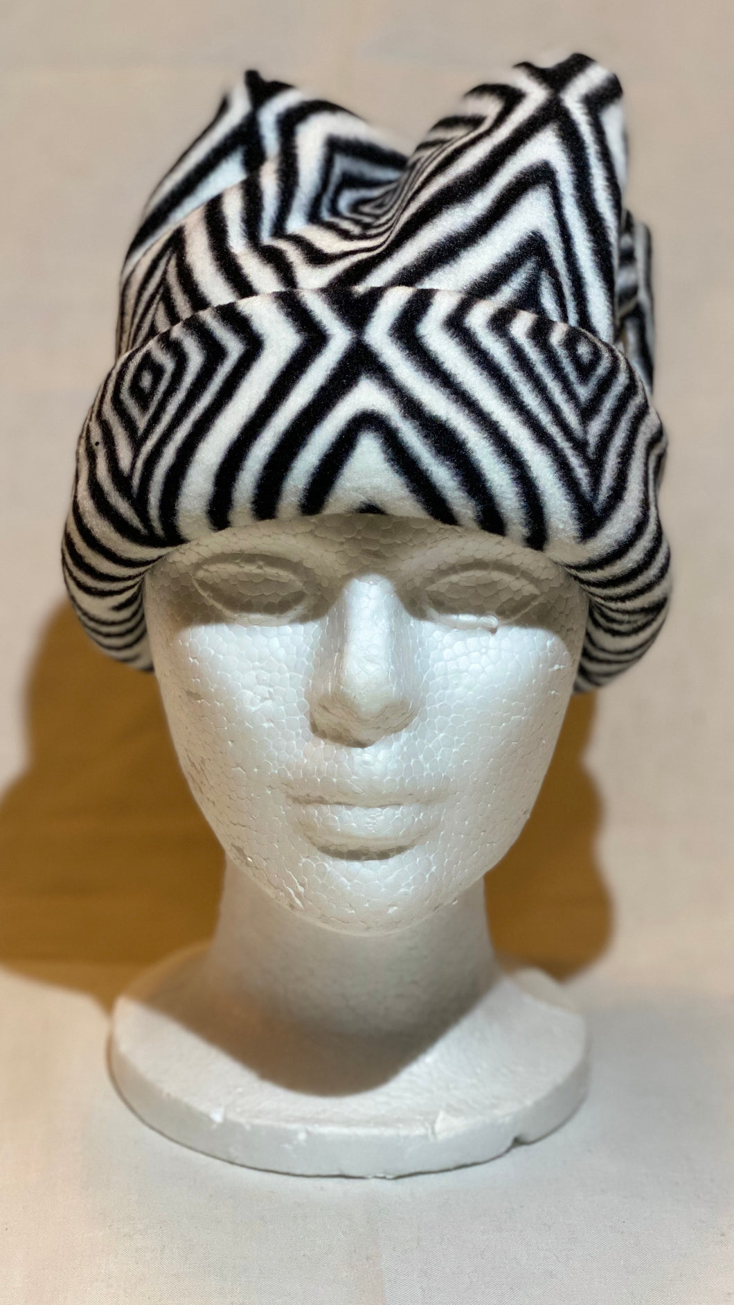 Black/White Diamond Fleece Hat