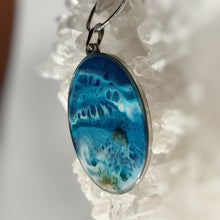 Load image into Gallery viewer, Beach pendant with Apatite