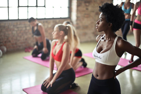 women working out for fitness instructor career