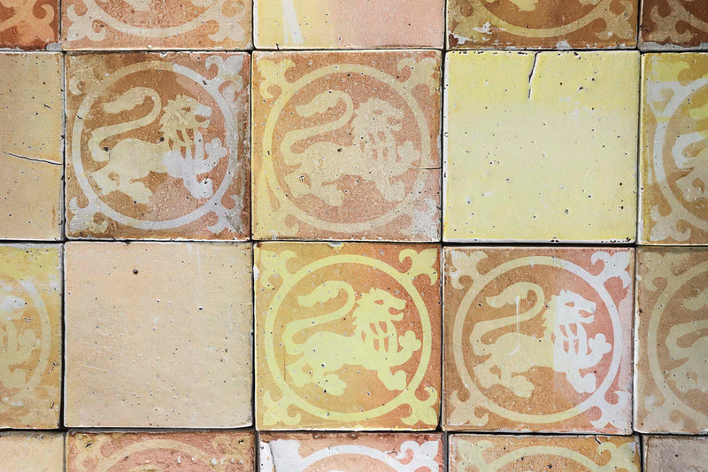 Medieval pattern on chunky tile