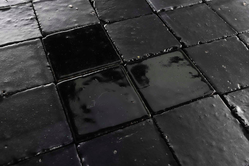 Square black tile matt and gloss