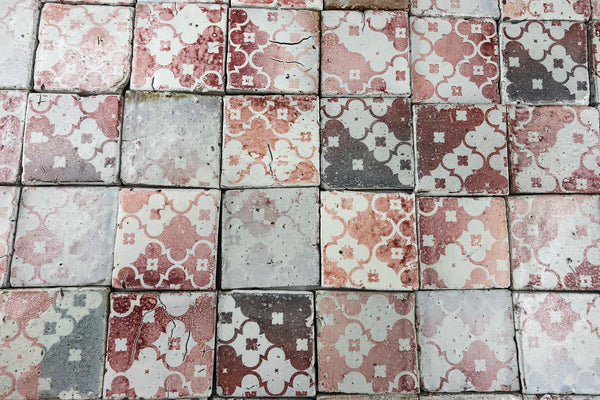 Chunky square tile Red classic pattern on Matt white