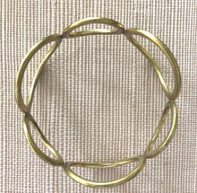 Load image into Gallery viewer, ALC11 Brass Circle Bangle