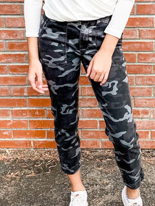 Kut Reese Black/Grey Camo Jeans Front