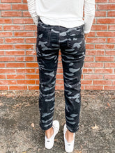 Load image into Gallery viewer, Kut Reese Black/Grey Camo Jeans Back