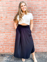 Load image into Gallery viewer, Black Jersey Maxi Skirt with Pockets Front