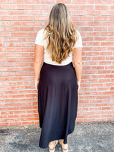 Load image into Gallery viewer, Black Jersey Maxi Skirt with Pockets Back