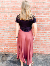 Load image into Gallery viewer, Rose Jersey Maxi Skirt with Pockets Front