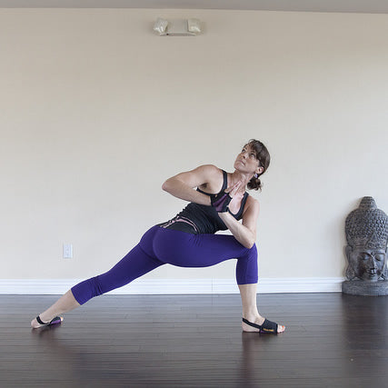 How to Revolved Crescent Lunge Pose