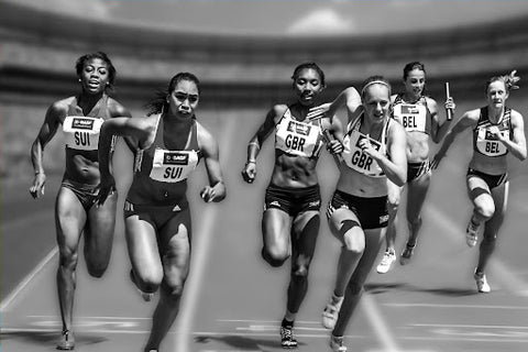 females running track race, back and white