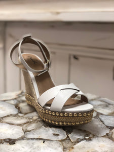 Flower White Wedge