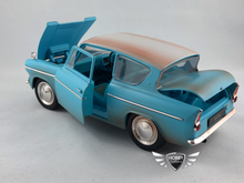 Load image into Gallery viewer, Harry Potter & 1969 Ford Anglia w/ Harry Potter Figure Jada 1:24 W/B