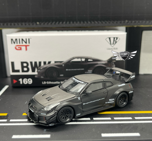 LB Silhouette WORKS GT Nissan 35GT-RR Matte Black Mini GT CHINA Exclusives #169
