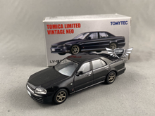 Load image into Gallery viewer, Nissan Skyline 25GT-V Tomica Limited Vintage NEO LV-N170b (NEW)