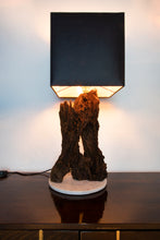 Laden Sie das Bild in den Galerie-Viewer, WN Wooden Rock