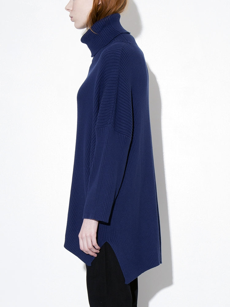 Load image into Gallery viewer, Oak Massive Turtleneck Sweater in Midnight