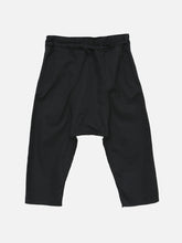 Load image into Gallery viewer, Oak Cropped Karate Pant in Black